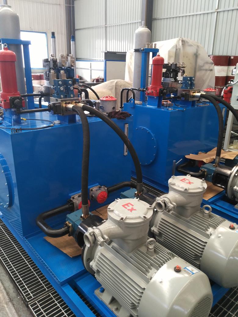 产品组成: 液压泵站由电机泵装置,集成块(含各类阀),油箱,联接管路图片